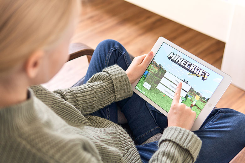 Girl enjoying Minecraft offline